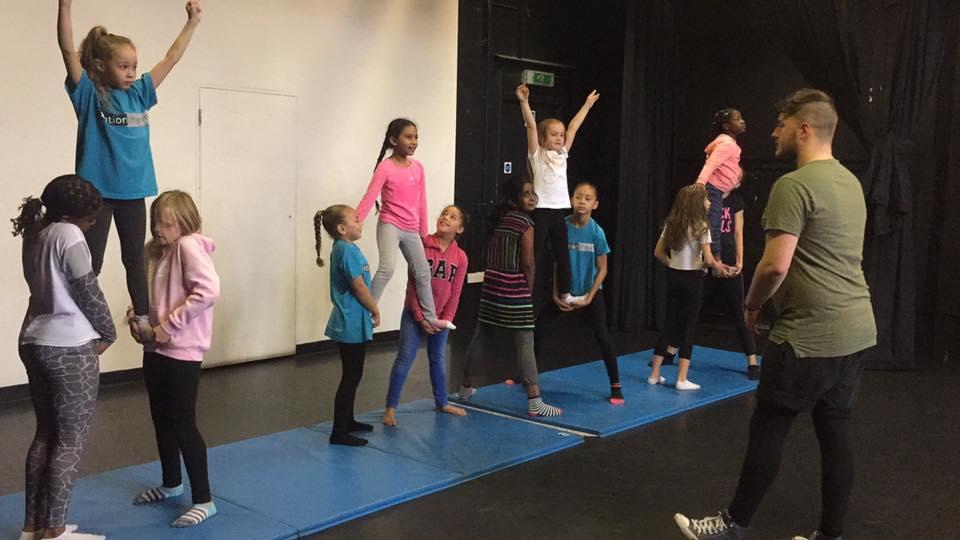 Cheerleading - Class support